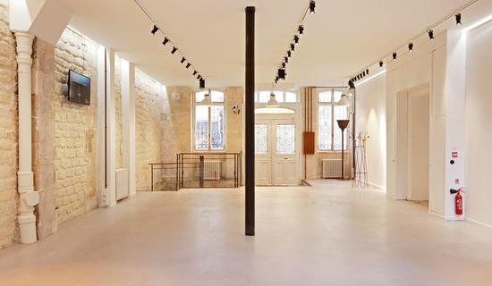 Public spaces : Offices and galleries